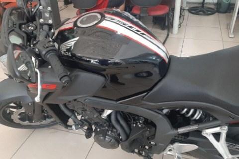 //www.autoline.com.br/moto/honda/cbr-500r/2018/volta-redonda-rj/15050258