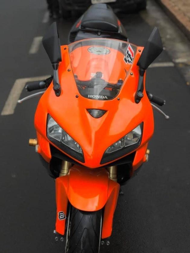 //www.autoline.com.br/moto/honda/cbr-600-rrstd-gas-mec-basico/2006/avare-sp/11021266