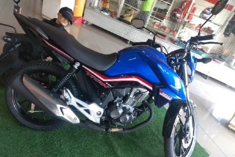 //www.autoline.com.br/moto/honda/cg-160-titan-flexone/2020/luziania-go/12780209