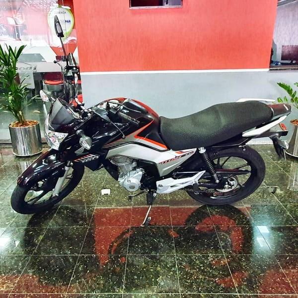 //www.autoline.com.br/moto/honda/cg-160-titan-flexone/2018/curitiba-pr/13119826