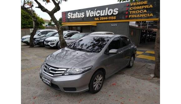 //www.autoline.com.br/carro/honda/city-15-lx-16v-flex-4p-automatico/2013/cabo-frio-rj/10146012