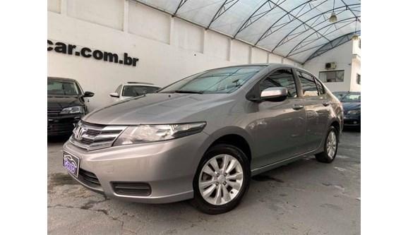 //www.autoline.com.br/carro/honda/city-15-lx-16v-flex-4p-automatico/2013/sao-paulo-sp/11409011