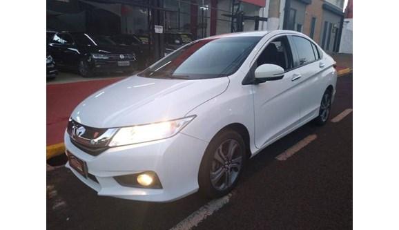 //www.autoline.com.br/carro/honda/city-15-ex-16v-flex-4p-cvt/2015/ribeirao-preto-sp/11845134