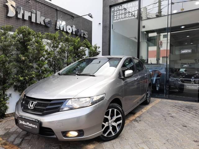 //www.autoline.com.br/carro/honda/city-15-sport-16v-flex-4p-manual/2014/sao-paulo-sp/14011909