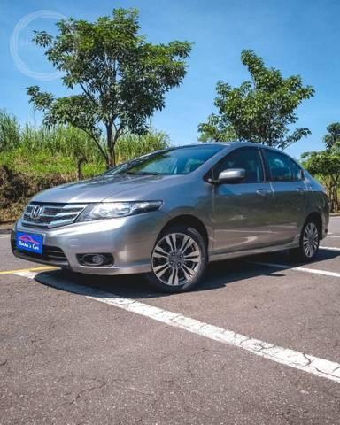 //www.autoline.com.br/carro/honda/city-15-lx-16v-flex-4p-automatico/2014/volta-redonda-rj/14214514