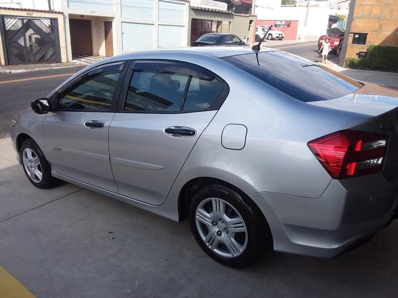 //www.autoline.com.br/carro/honda/city-15-dx-16v-flex-4p-manual/2014/mogi-das-cruzes-sp/14653141