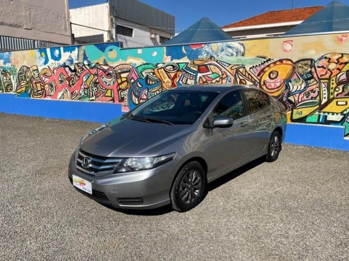 //www.autoline.com.br/carro/honda/city-15-lx-16v-flex-4p-automatico/2013/sao-jose-do-rio-preto-sp/14846552
