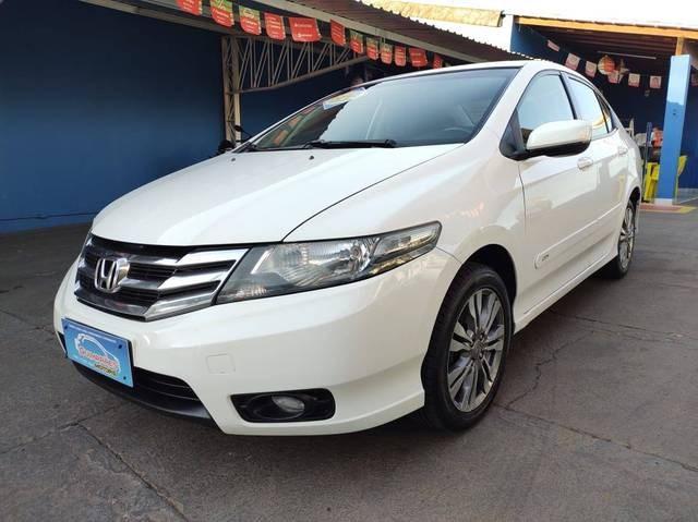 //www.autoline.com.br/carro/honda/city-15-lx-16v-flex-4p-automatico/2014/aracatuba-sp/14849713