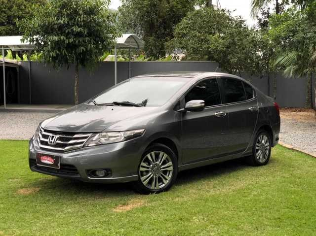 //www.autoline.com.br/carro/honda/city-15-ex-16v-flex-4p-automatico/2014/blumenau-sc/14980188