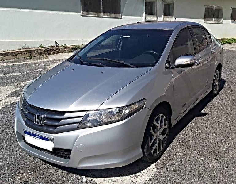 //www.autoline.com.br/carro/honda/city-15-ex-16v-flex-4p-automatico/2011/belo-horizonte-mg/15000261
