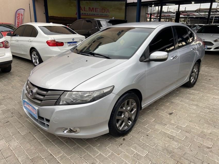 //www.autoline.com.br/carro/honda/city-15-ex-16v-flex-4p-automatico/2011/chapeco-sc/15670811