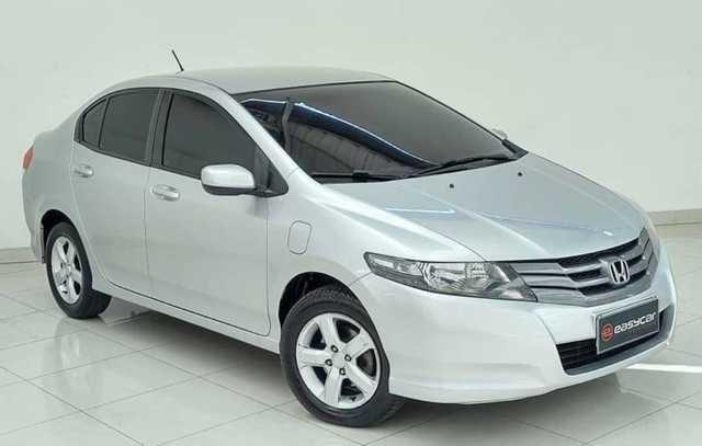 //www.autoline.com.br/carro/honda/city-15-lx-16v-flex-4p-automatico/2011/osasco-sp/15746268