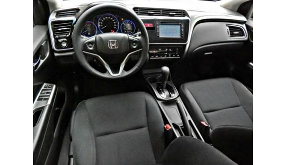 //www.autoline.com.br/carro/honda/city-15-ex-16v-flex-4p-automatico/2015/porto-alegre-rs/6494819