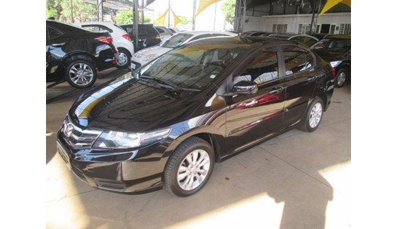 //www.autoline.com.br/carro/honda/city-15-lx-16v-flex-4p-manual/2013/sumare-sp/7885845