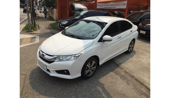 //www.autoline.com.br/carro/honda/city-15-ex-16v-flex-4p-automatico/2015/sao-paulo-sp/9485378