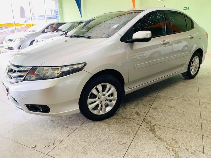 //www.autoline.com.br/carro/honda/city-15-lx-16v-flex-4p-automatico/2013/campinas-sp/9928543