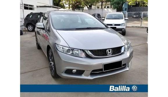 //www.autoline.com.br/carro/honda/civic-20-lxr-16v-sedan-flex-4p-automatico/2015/indaiatuba-sp/10071159