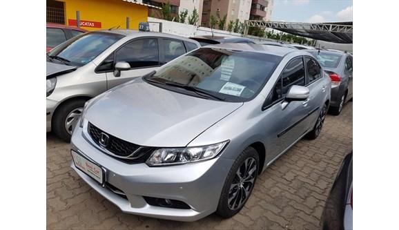 //www.autoline.com.br/carro/honda/civic-20-lxr-16v-flex-4p-automatico/2015/campinas-sp/10250829