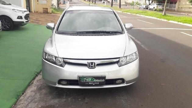 //www.autoline.com.br/carro/honda/civic-18-lxs-16v-flex-4p-automatico/2007/jales-sp/10999995