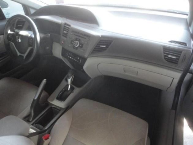 //www.autoline.com.br/carro/honda/civic-18-lxs-16v-flex-4p-automatico/2012/bauru-sp/11029544