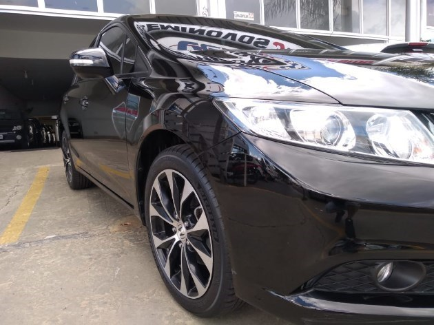 //www.autoline.com.br/carro/honda/civic-20-lxr-16v-flex-4p-automatico/2015/tupa-sp/11510544