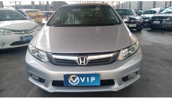 //www.autoline.com.br/carro/honda/civic-18-lxs-16v-flex-4p-automatico/2015/fortaleza-ce/11868116