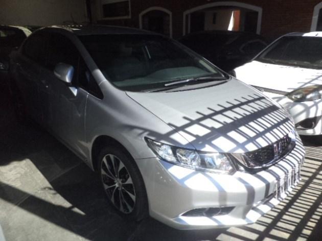 //www.autoline.com.br/carro/honda/civic-20-lxr-16v-flex-4p-automatico/2015/tupa-sp/11876214