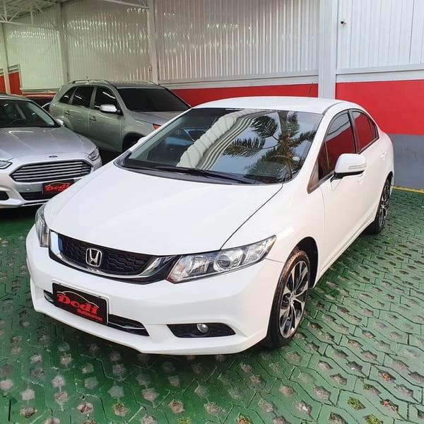 //www.autoline.com.br/carro/honda/civic-20-lxr-16v-flex-4p-automatico/2015/curitiba-pr/12029633