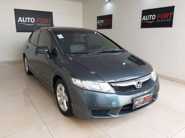 //www.autoline.com.br/carro/honda/civic-18-lxs-16v-flex-4p-automatico/2009/brasilia-df/12211566