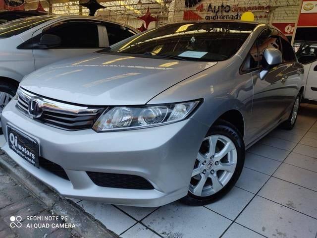 //www.autoline.com.br/carro/honda/civic-18-lxs-16v-flex-4p-automatico/2014/sao-jose-dos-campos-sp/12238307