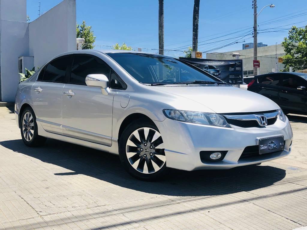 //www.autoline.com.br/carro/honda/civic-18-lxl-16v-flex-4p-automatico/2010/rio-grande-rs/13062268