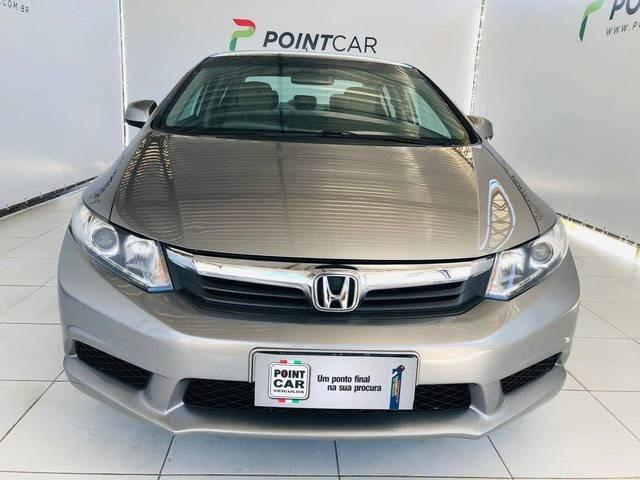 //www.autoline.com.br/carro/honda/civic-18-lxs-16v-flex-4p-automatico/2014/recife-pe/13357015