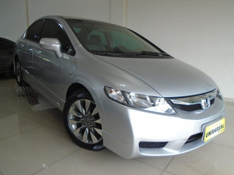 //www.autoline.com.br/carro/honda/civic-18-lxl-16v-flex-4p-manual/2010/tres-passos-rs/13552042