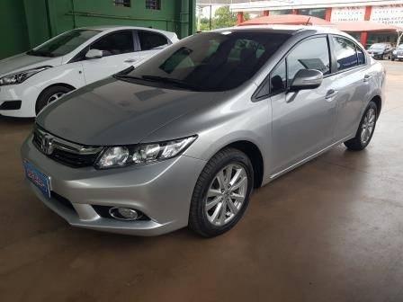 //www.autoline.com.br/carro/honda/civic-20-lxr-16v-flex-4p-automatico/2014/brasilia-df/13866753