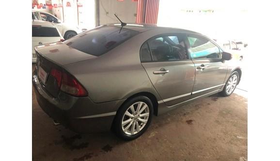 //www.autoline.com.br/carro/honda/civic-18-exs-16v-gasolina-4p-automatico/2007/brasilia-df/13973929