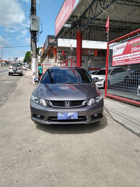 //www.autoline.com.br/carro/honda/civic-20-lxr-16v-flex-4p-automatico/2015/resende-rj/14342785