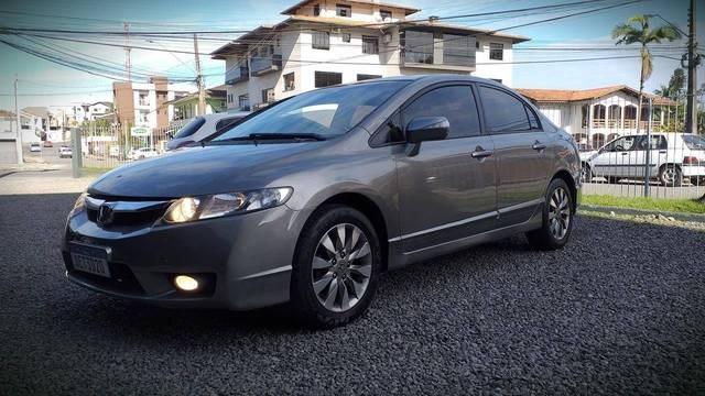//www.autoline.com.br/carro/honda/civic-18-lxl-se-16v-flex-4p-manual/2011/joinville-sc/14652855
