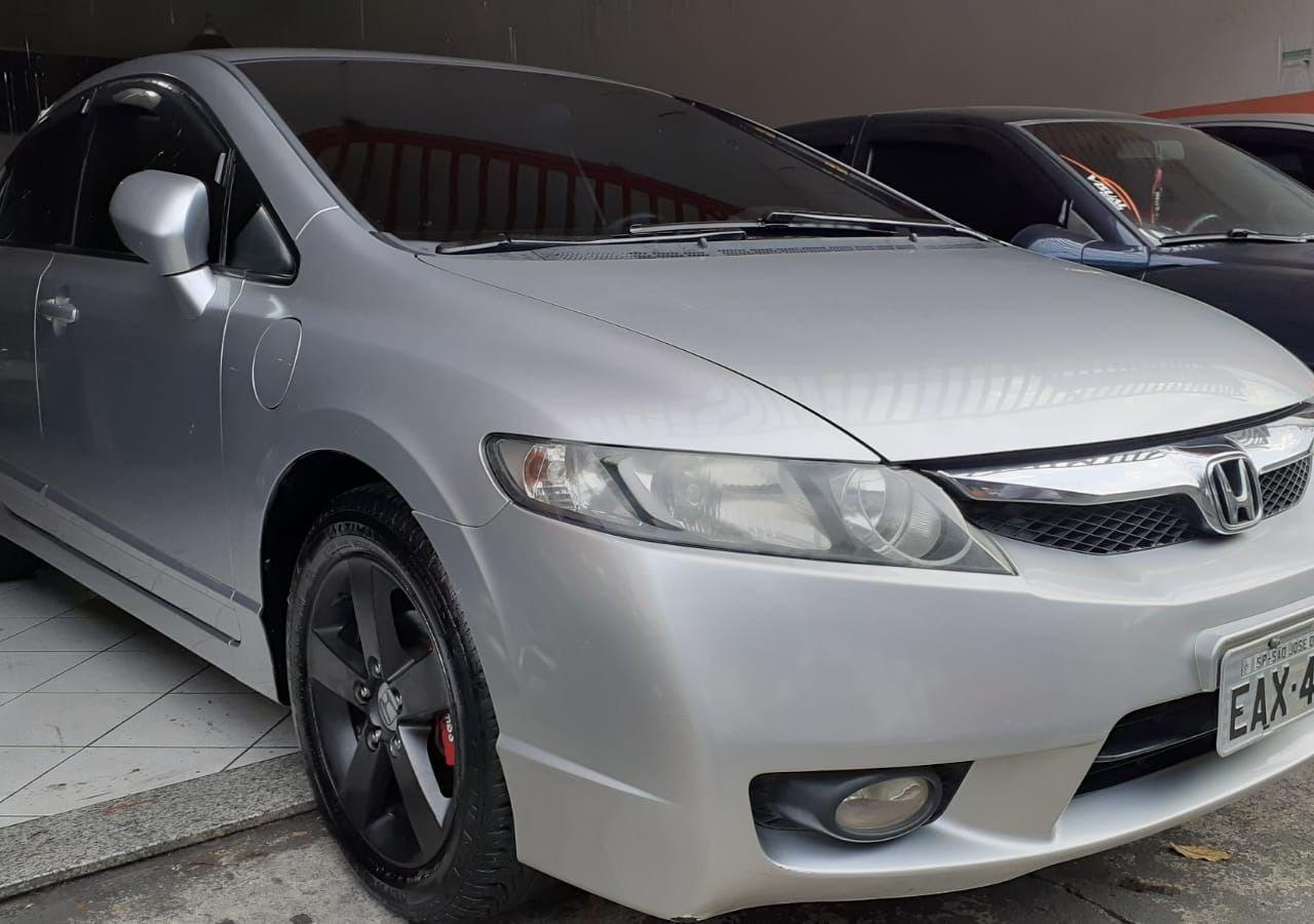 //www.autoline.com.br/carro/honda/civic-18-lxs-16v-flex-4p-manual/2009/sao-jose-dos-campos-sp/14690000