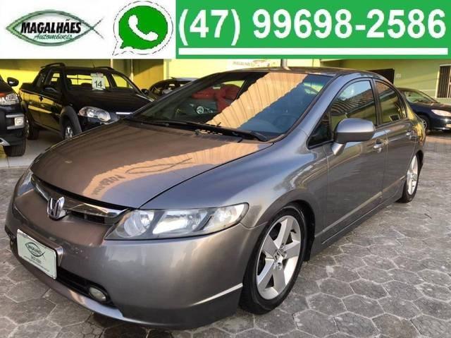 //www.autoline.com.br/carro/honda/civic-18-lxs-16v-flex-4p-automatico/2008/joinville-sc/14734507