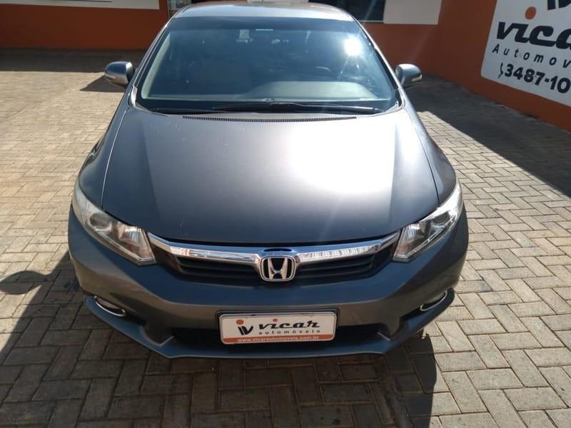 //www.autoline.com.br/carro/honda/civic-20-lxr-16v-flex-4p-automatico/2014/brasilia-df/14756450