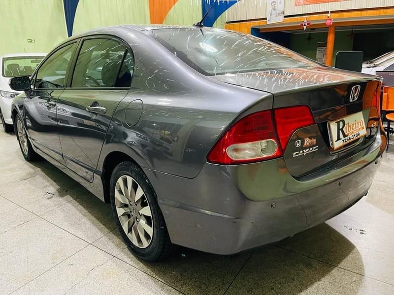 //www.autoline.com.br/carro/honda/civic-18-lxl-16v-flex-4p-automatico/2011/campinas-sp/14807781