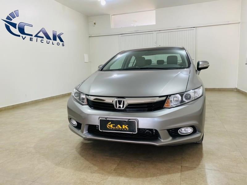 //www.autoline.com.br/carro/honda/civic-20-lxr-16v-flex-4p-automatico/2014/brasilia-df/14842564
