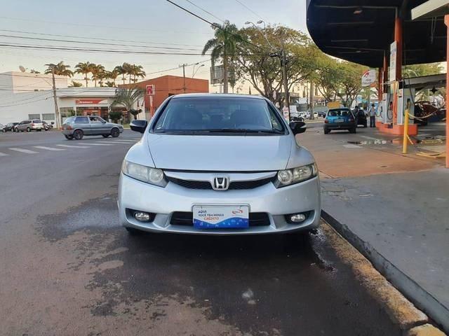 //www.autoline.com.br/carro/honda/civic-18-lxs-16v-flex-4p-automatico/2008/jau-sp/14843655