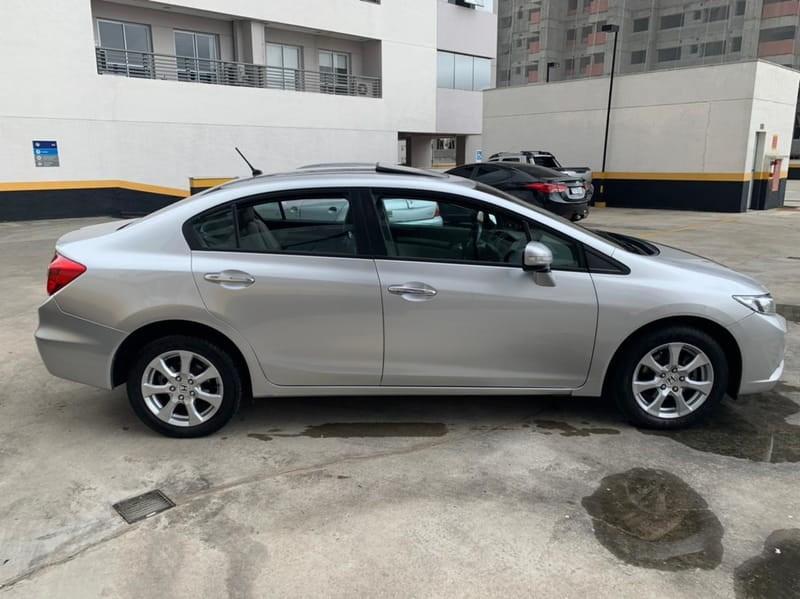 //www.autoline.com.br/carro/honda/civic-20-lxr-16v-flex-4p-automatico/2014/osasco-sp/14897300