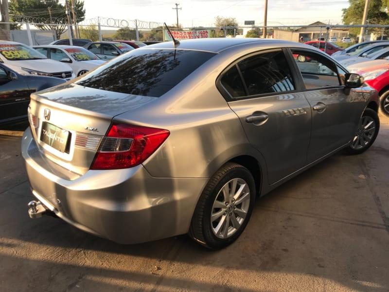 //www.autoline.com.br/carro/honda/civic-18-lxl-16v-flex-4p-automatico/2012/brasilia-df/14916935