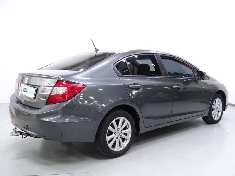 //www.autoline.com.br/carro/honda/civic-20-lxr-16v-flex-4p-automatico/2014/curitiba-pr/15275821