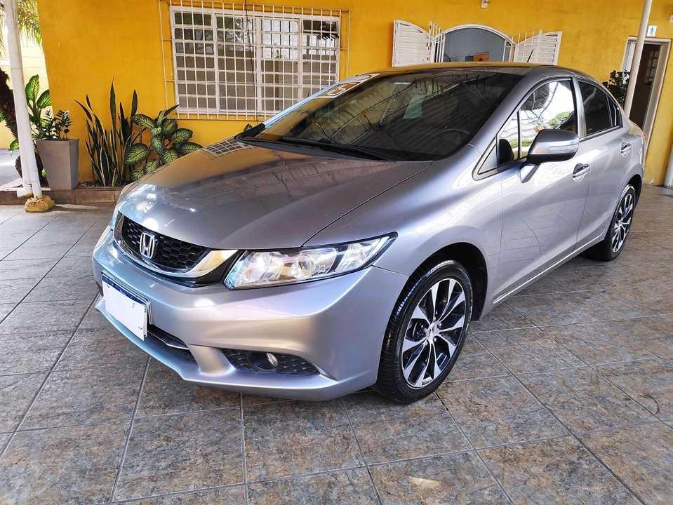 //www.autoline.com.br/carro/honda/civic-20-lxr-16v-flex-4p-automatico/2016/sao-paulo-sp/15618753