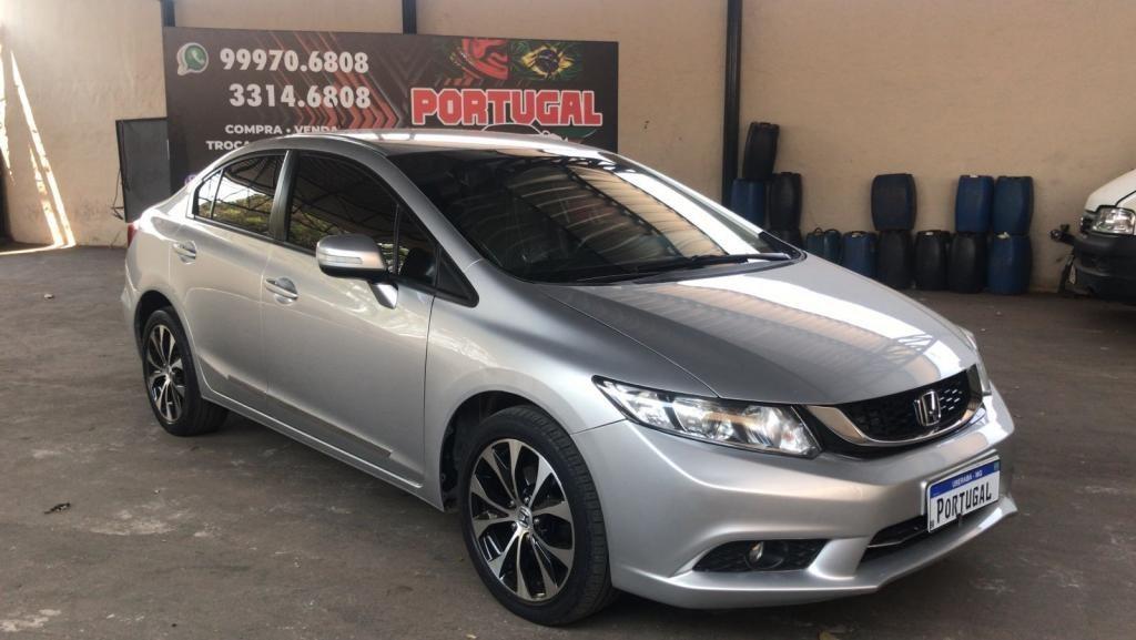//www.autoline.com.br/carro/honda/civic-20-lxr-16v-flex-4p-automatico/2016/uberaba-mg/15682162