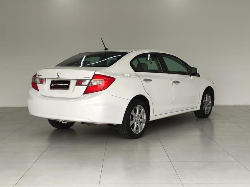 //www.autoline.com.br/carro/honda/civic-20-exr-16v-flex-4p-automatico/2014/curitiba-pr/15865059