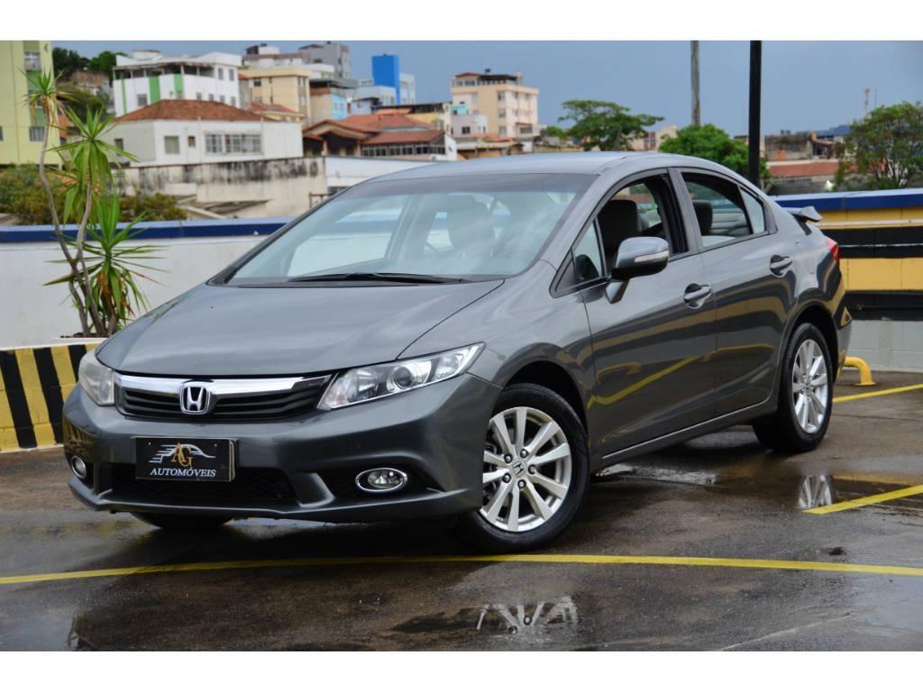 //www.autoline.com.br/carro/honda/civic-20-lxr-16v-flex-4p-automatico/2014/belo-horizonte-mg/15898804